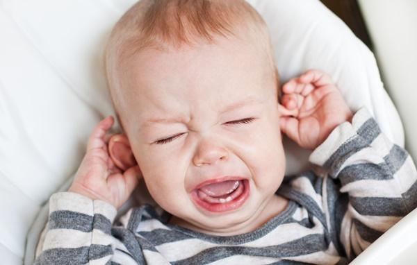 子供の中耳炎 水
